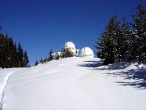 Кулата на новия телескоп ще бъде в близост до кулите на 60-см Касегрен и 50/70 см Шмит телескопи.